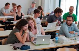 Designerstudenten beim Spielen